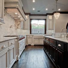 Traditional Kitchen by Veranda Fine Homes