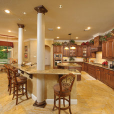 Traditional Kitchen by Heavenly Homes