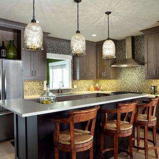 Traditional kitchen ideas - Elegant kitchen photo in Grand Rapids