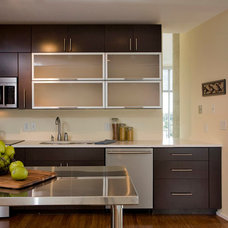 Transitional Kitchen by Fresh Perspectives