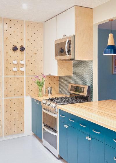 Contemporary Kitchen by Handwerk Art and Design