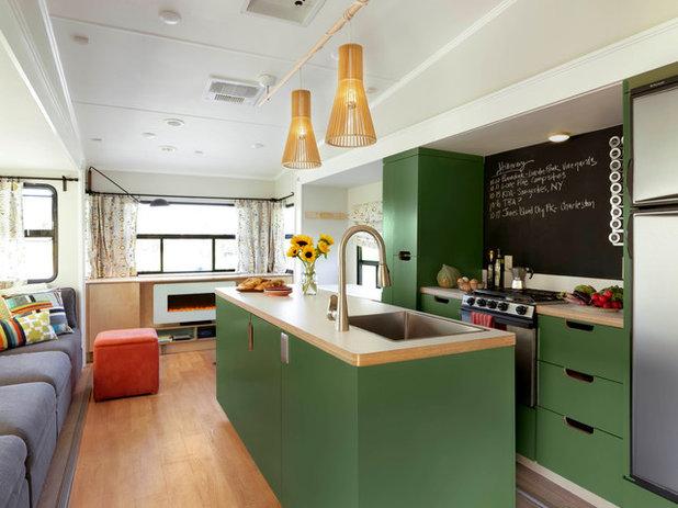 Midcentury Kitchen by Dreamhouse Enterprises