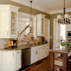 Traditional Kitchen by North Carolina Kitchens