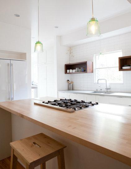 Contemporary Kitchen by Medium Plenty