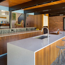 Midcentury Kitchen by Studiobuild