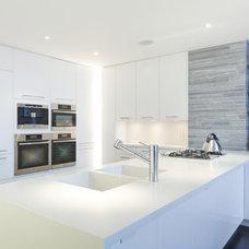 Contemporary Kitchen by TURETT COLLABORATIVE ARCHITECTS