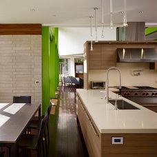 Contemporary Kitchen by Thomas Roszak Architecture, LLC