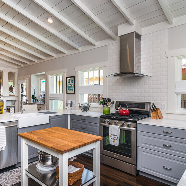 5 Star Beach House Kitchens: Projects