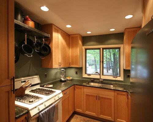 Best small u shaped kitchen design ideas remodel for Kitchen cabinets 8x8