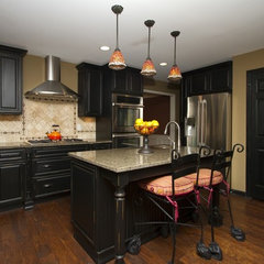 traditional kitchen by Timberland Cabinetry Company