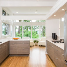 Contemporary Kitchen by FJU Photography