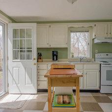 Contemporary Kitchen by Corki Gray, Broker, Keller Williams Realty