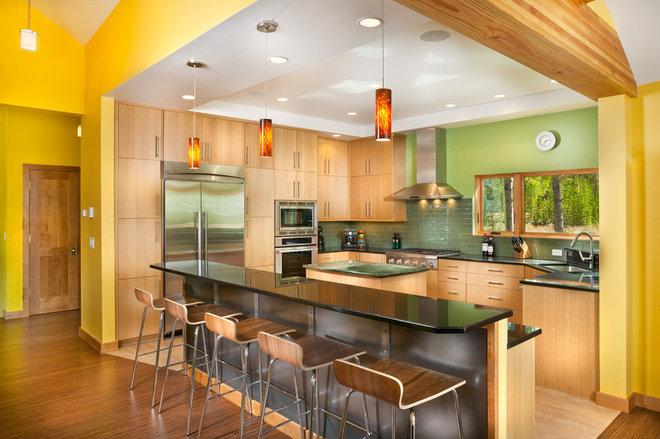 Modern Kitchen by Pinnacle Mountain Homes