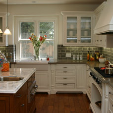 Farmhouse Kitchen by Structure Home