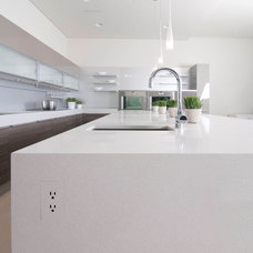 Contemporary Kitchen by TRUFIG