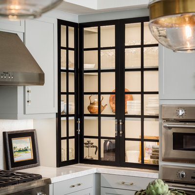 Example of a mid-sized urban kitchen design in San Francisco