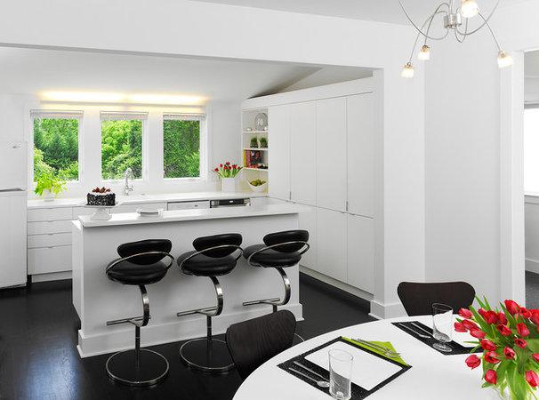 Modern Kitchen by Anthony Wilder Design/Build, Inc.