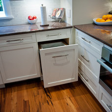 Contemporary Kitchen by A & R Cabinetry Ltd.