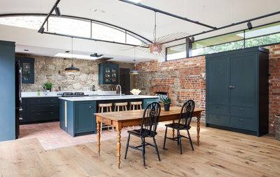 床と家具の木の色を揃えずに、バランスよく見せる7つの方法