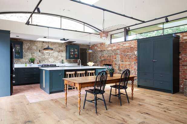 Country Kitchen by burlanes interiors