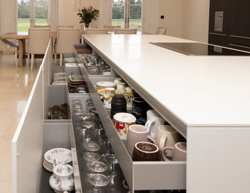 A bulthaup b3 kitchen of Contrast