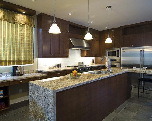 Example Of A Trendy Kitchen Design In Toronto With Stainless Steel  Appliances, An Undermount Sink