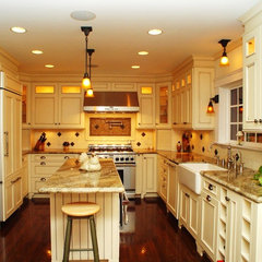 traditional kitchen by Elaine Morrison Interiors