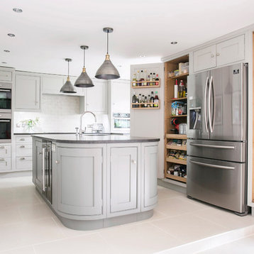 396 Mid-Sized Traditional Kitchen Design Photos with Gray Cabinets and ...