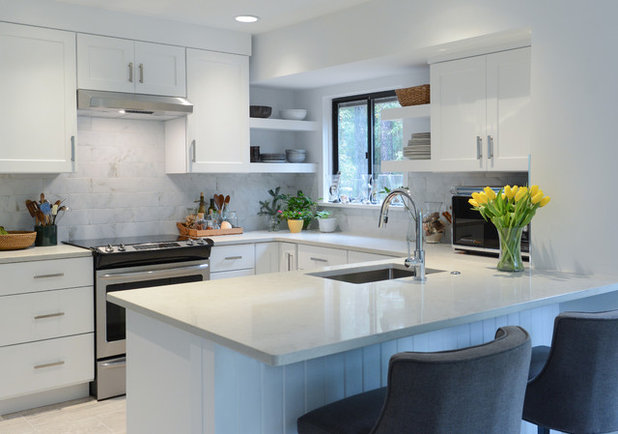 Contemporary Kitchen by Arlene Williams