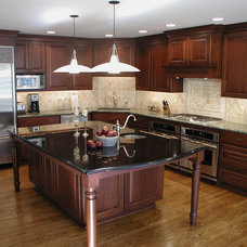 Traditional Kitchen by Woodmaster Kitchens