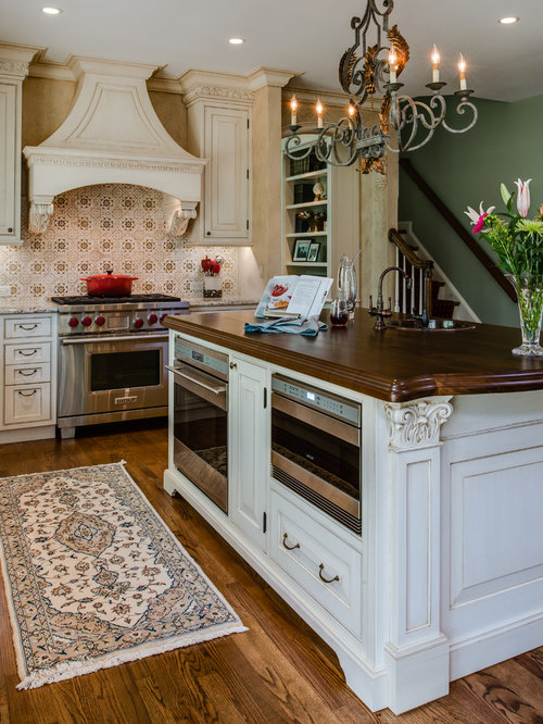 Inspiration For A Timeless L Shaped Eat In Kitchen Remodel In Baltimore  With Beaded