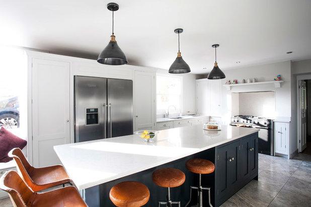 Farmhouse Kitchen by burlanes interiors