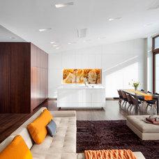 Modern Kitchen by William Reue Architecture