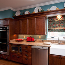 Traditional Kitchen by Kitchens Unlimited - Eileen Henry