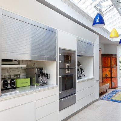 Kitchen - large contemporary kitchen idea in London