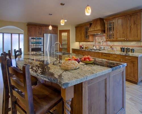 cuisine sud ouest am ricain avec un plan de travail en marbre photos et id es d co de cuisines. Black Bedroom Furniture Sets. Home Design Ideas