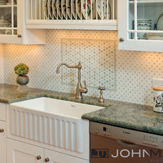 Traditional Kitchen by John Magor Photography