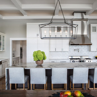 A Minnesota Lakehouse Transformed with Exotic Spice