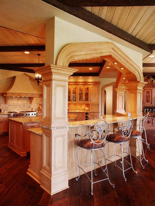 10 Mediterranean Cedar Rapids Kitchen Design Ideas Remodel Pictures Houzz