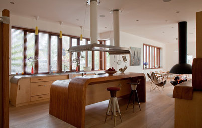 Kitchen of the Week: Sensuous Curves in an Unusual Irish Kitchen