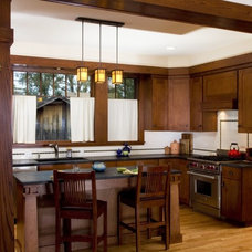 Traditional Kitchen by WEST STUDIO Architects & Construction Services