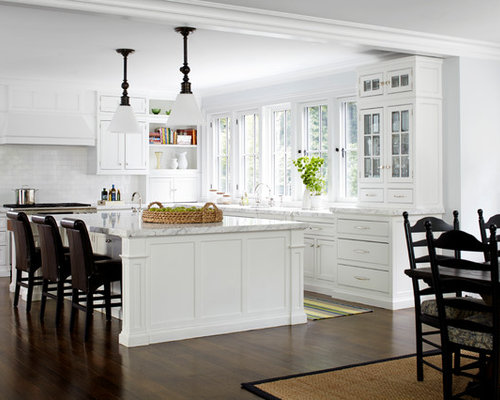 Inspiration For A Mid Sized Timeless L Shaped Eat In Kitchen Remodel In