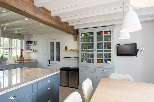 Kitchen by Dovetail Workers in Wood ltd