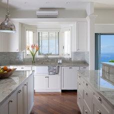 Tropical Kitchen by Barker Kappelle Construction, LLC