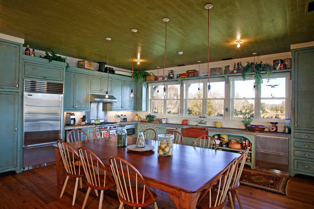 Rustic Kitchen by Gilbert | McLaughlin | Casella Architects, PLC