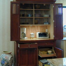 Traditional Kitchen Cabinetry by YesterTec Design Company
