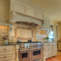 traditional kitchen by RGN Construction