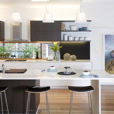 Modern Kitchen by Cradle Design Studio