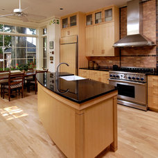 Modern Kitchen by Ossolinski Architects, PLLC
