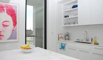 A Stunnig White Kitchen